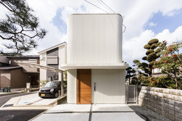 Melt House by SAI Architectural Design Office in Yao, Japan