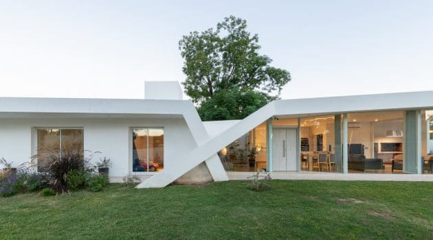 X House by Sincresis Arquitectos in Cordoba, Argentina