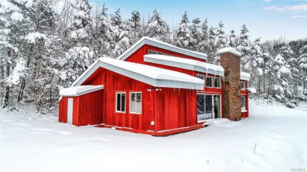 Take a Look at This Bright Red '70s Ski House in NY