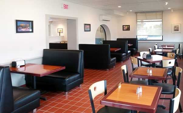 Restaurant Booth Design: A Trend For More Than 200 Years