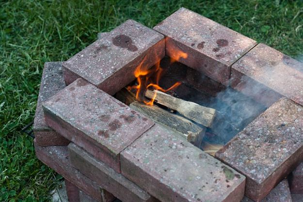 15 Amazing DIY Firepit Ideas You Need In Your Backyard For The Spring