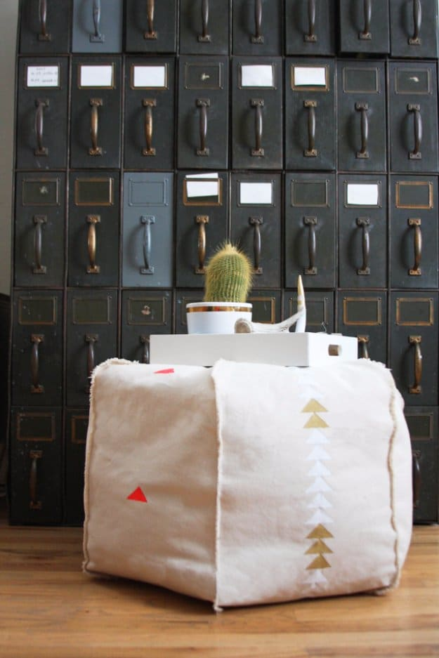 15 Amazing DIY Floor Pouf Projects For That Cozy Corner Of ...