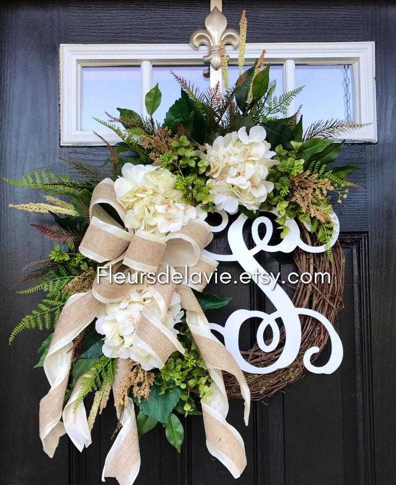 15 Fresh Spring Wreath Ideas For Your Front Door Decor