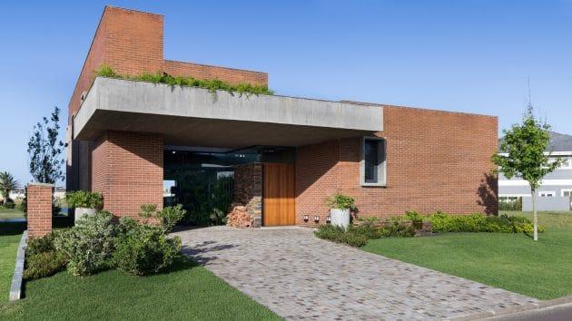 Marcon House by Ramella Arquitetura in Xangri-la, Brazil