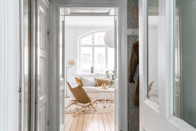 Charming Small Apartment Decorated in Bright Colors