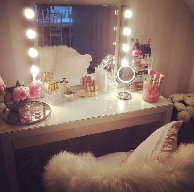Dressing Room - Dressing Tables