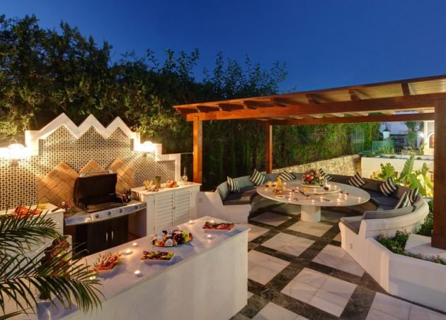 6 Decorated Environments with Barbecue Area