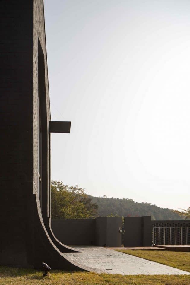 B' House by 100 A Associates in South Korea