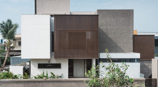 Sarpanch House by Neogenesis+Studi0261 in Surat, India