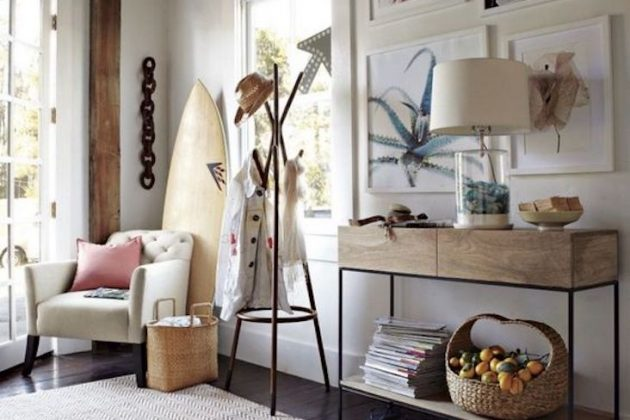 How to Create a Seaside Atmosphere in the Entrance