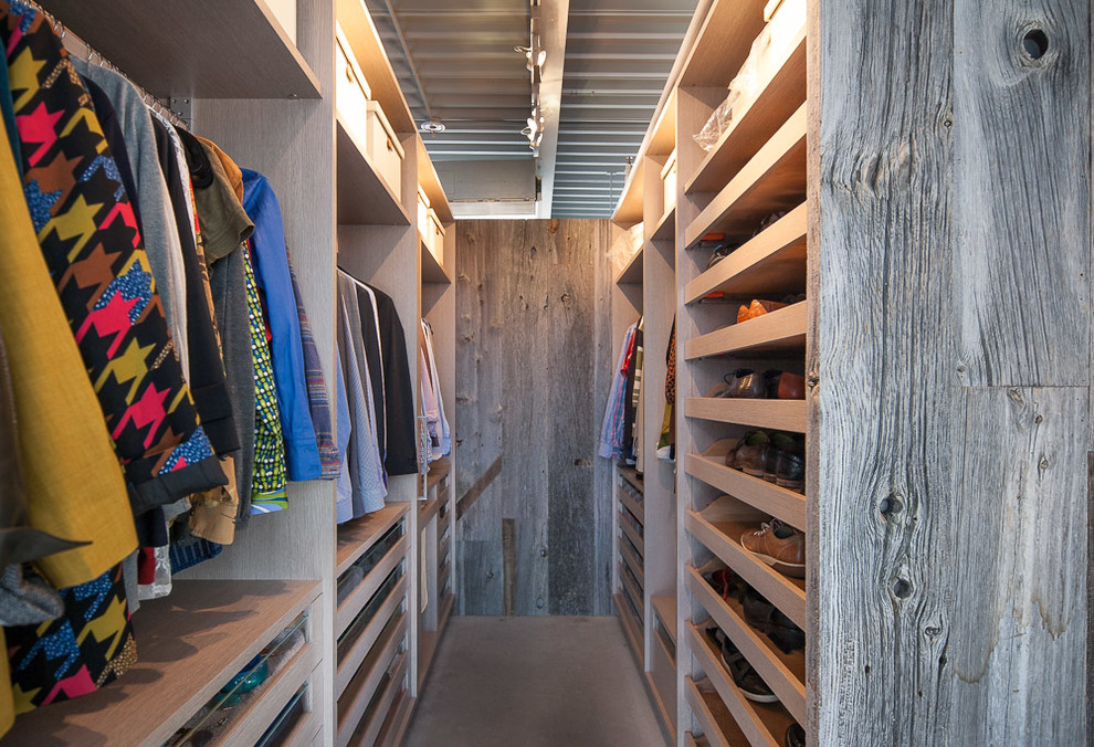 18 Stylish Industrial Closet Ideas For Your Loft