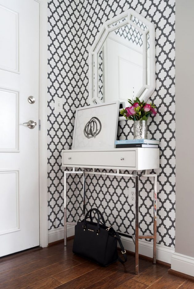An Elegant and Subtle Feminine Decor in the Entrance