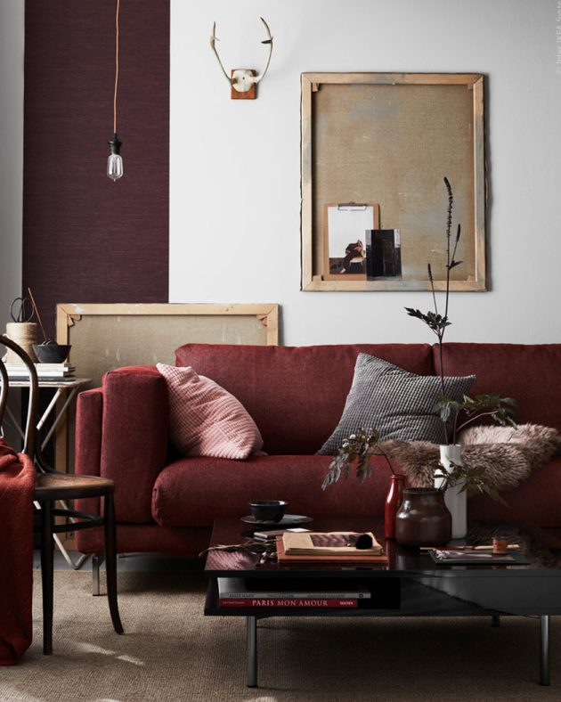 How To Use The Splendid Burgundy Color In The Living Room Decor