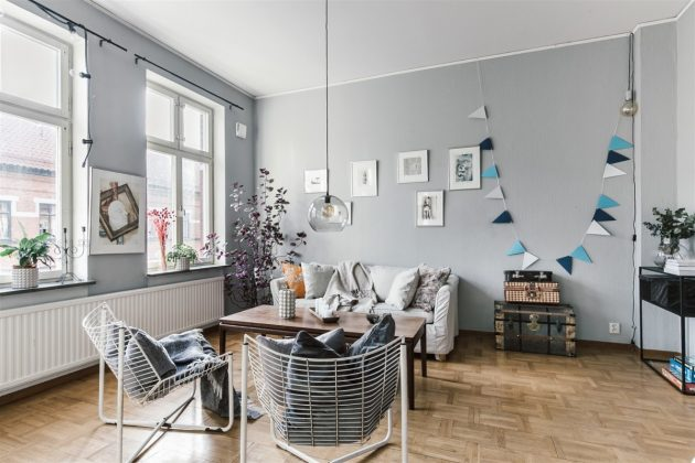 Charming & Well Decorated Old Apartment With Vintage Furniture