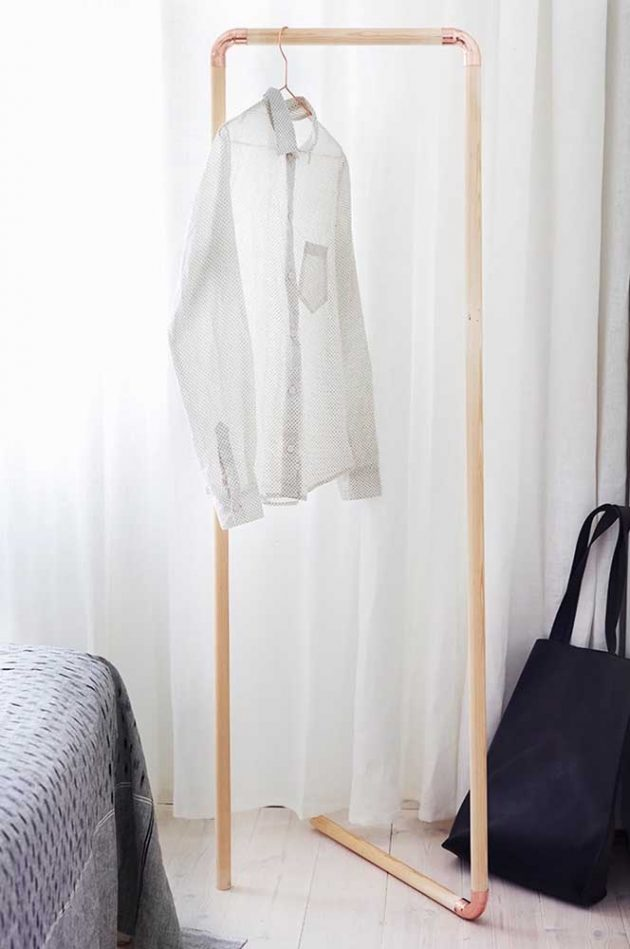 What are the Advantages of Having a Clothes Rack in Your Room?