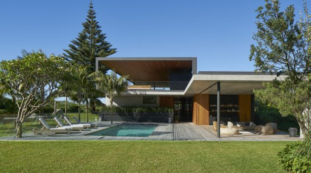 Sunrise House by MCK Architects in New South Wales, Australia