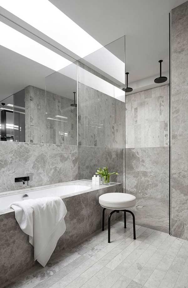 Choose the Ideal Bathroom Floor & the Trendy Materials