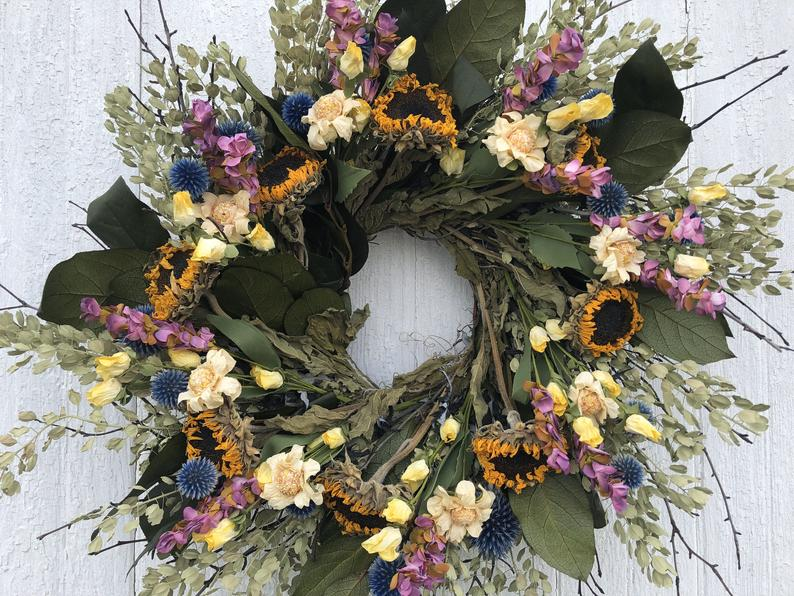15 Colorful Summer Wreath Designs That Will Refresh The Entrance