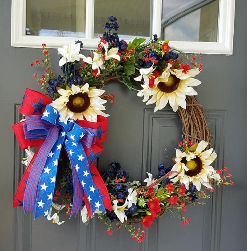 18 Patriotic 4th of July Wreath Designs To Display On Your Front Door