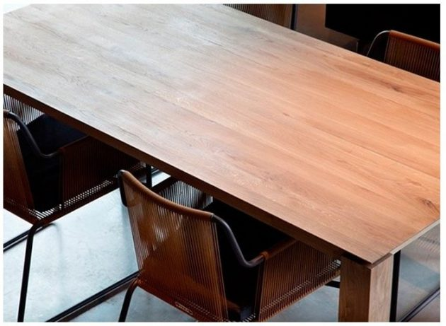 Top 8 Wooden Dinning Tables for Your Home