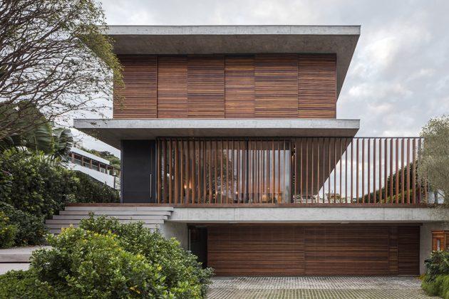 Bravos House by Jobim Carlevaro Arquitetos in Itajai, Brazil
