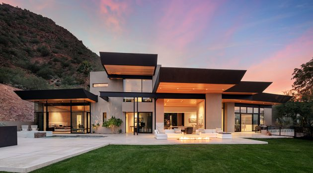 Cholla Vista by Kendle Design Collaborative in Paradise Valley, Arizona