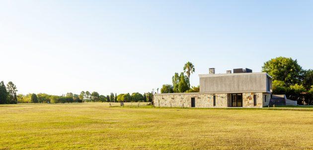 Golf House by Adolfo Bavio Arquitectos in Pilar, Argentina