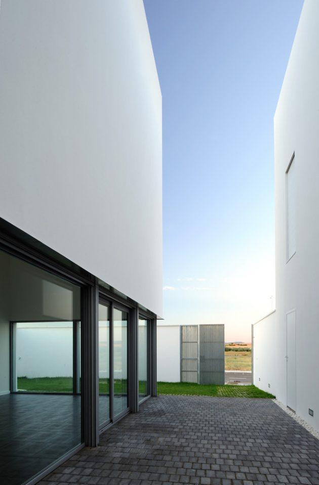 RG House by Estudio Arquitectura Hago in Badajoz, Spain