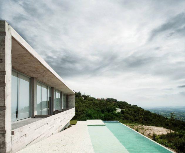 Widescreen House by R Zero Studio in Jiutepec, Mexico