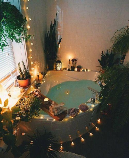 10 Ideas to Transform Your Bathroom Into a Wellness Area