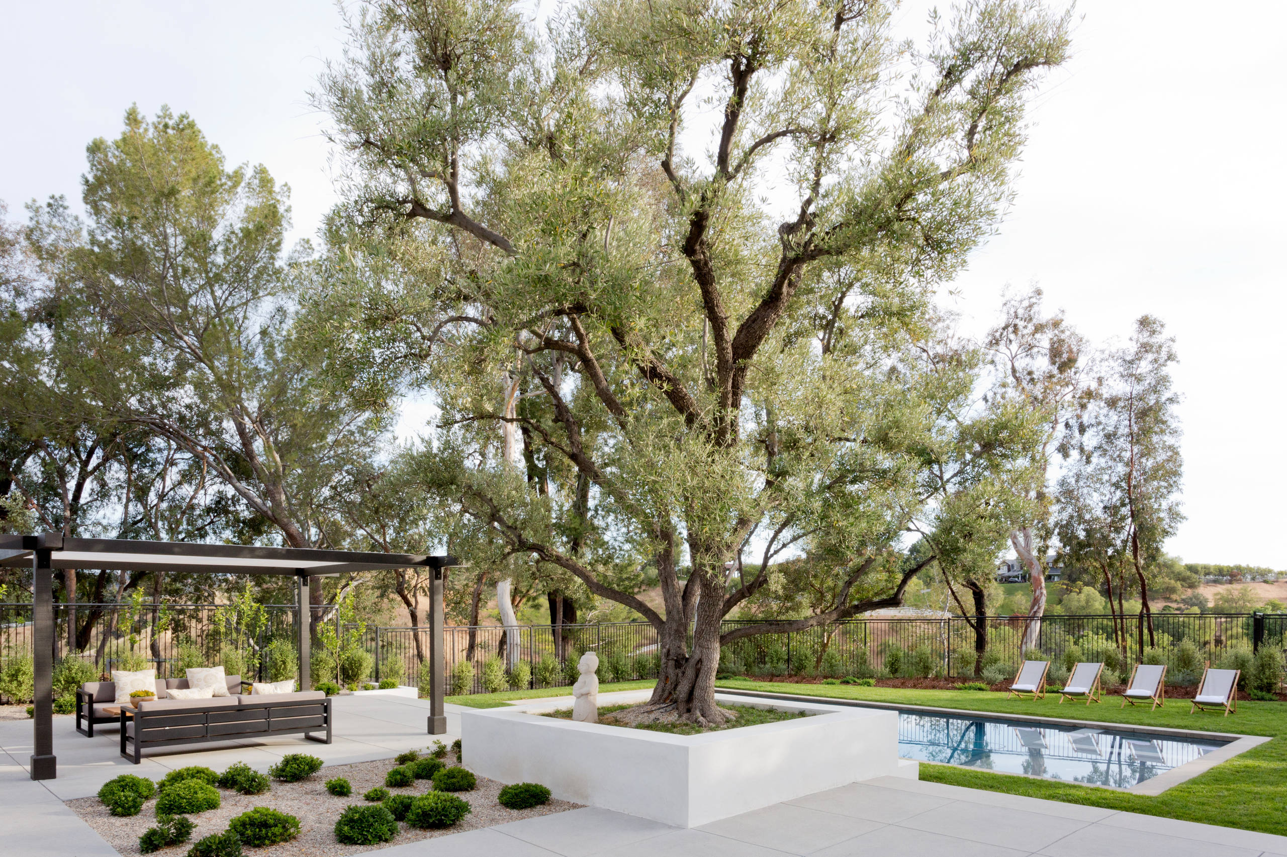 16 Mesmerizing Mid-Century Modern Landscape Designs You Will Adore