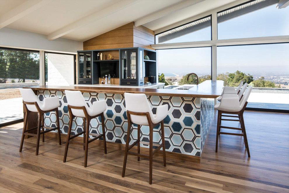 16 Stylish Mid-Century Modern Home Bar Designs That Abound With Elegance