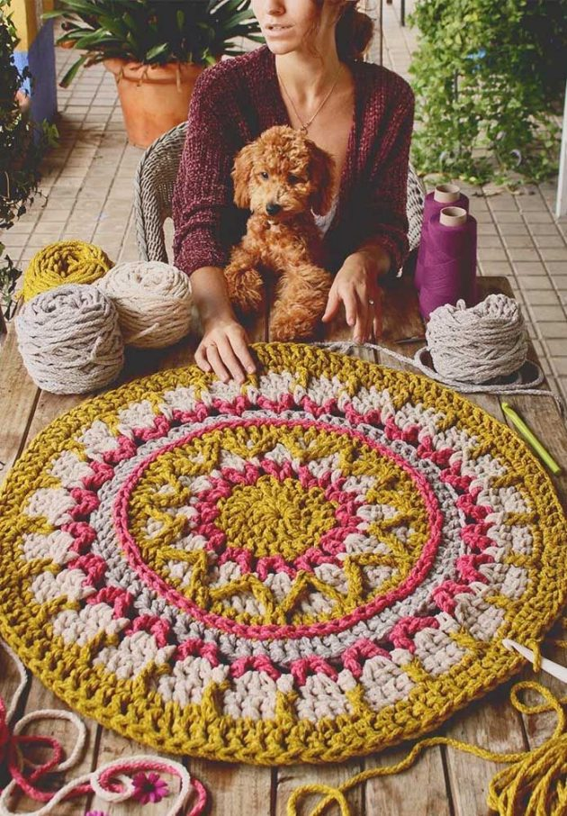 9 Models of Simple Crochet Rugs You Will Love