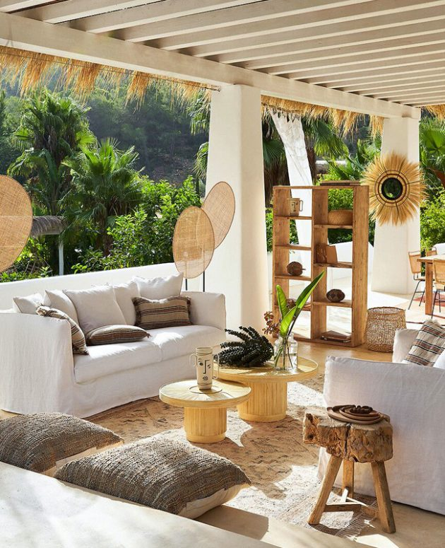 A Rattan Coffee Table for the Living Room