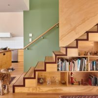 20 Outstanding Mid-Century Modern Staircase Designs For Inspiration