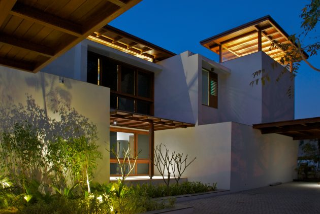 Courtyard House by Hiren Patel Architects in Ahmadabad, India