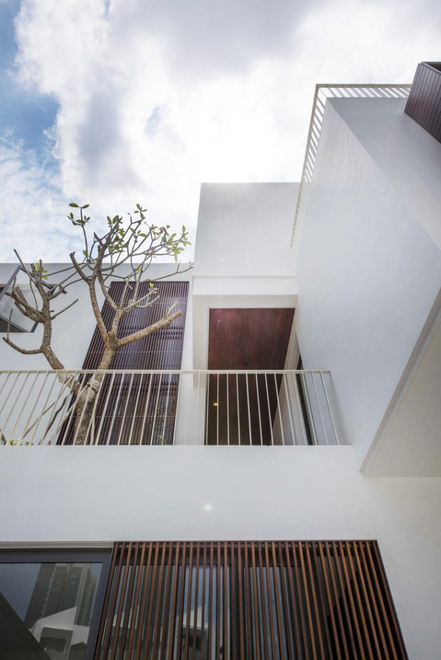 Cube House by Ming Architects in Singapore