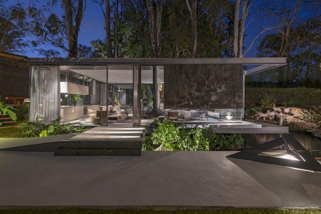 Lake House by Estudio MB + Janaina Pacheco Arquitetura in Mangabeiras, Brazil