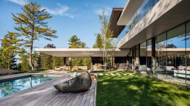 SAOTA designs Canadian home on the banks of Lake Huron