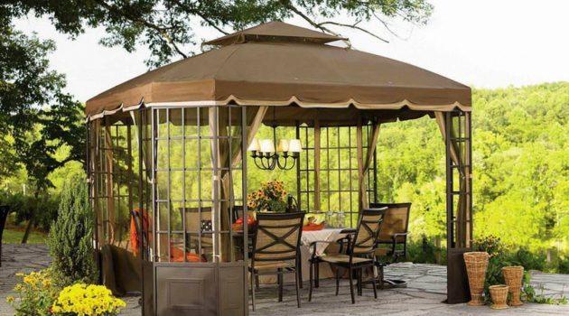 5 Reasons to Invest in a Backyard Tent