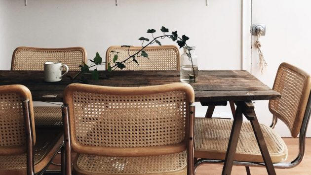 Decorative Ideas for a Dining Room with Cane
