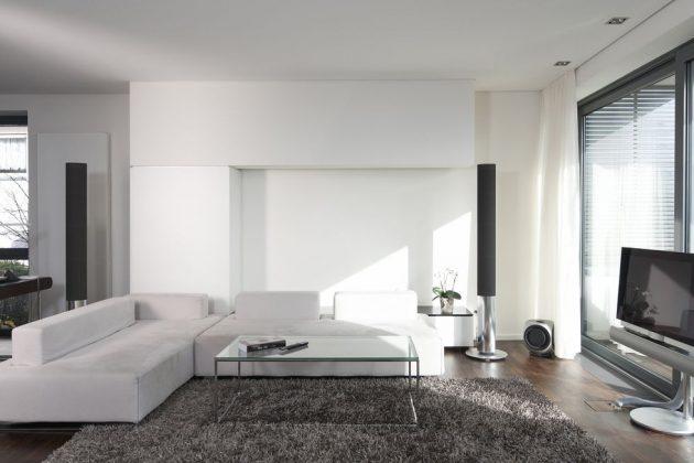 10 Designer Tips for Lightening Up a Dark Room