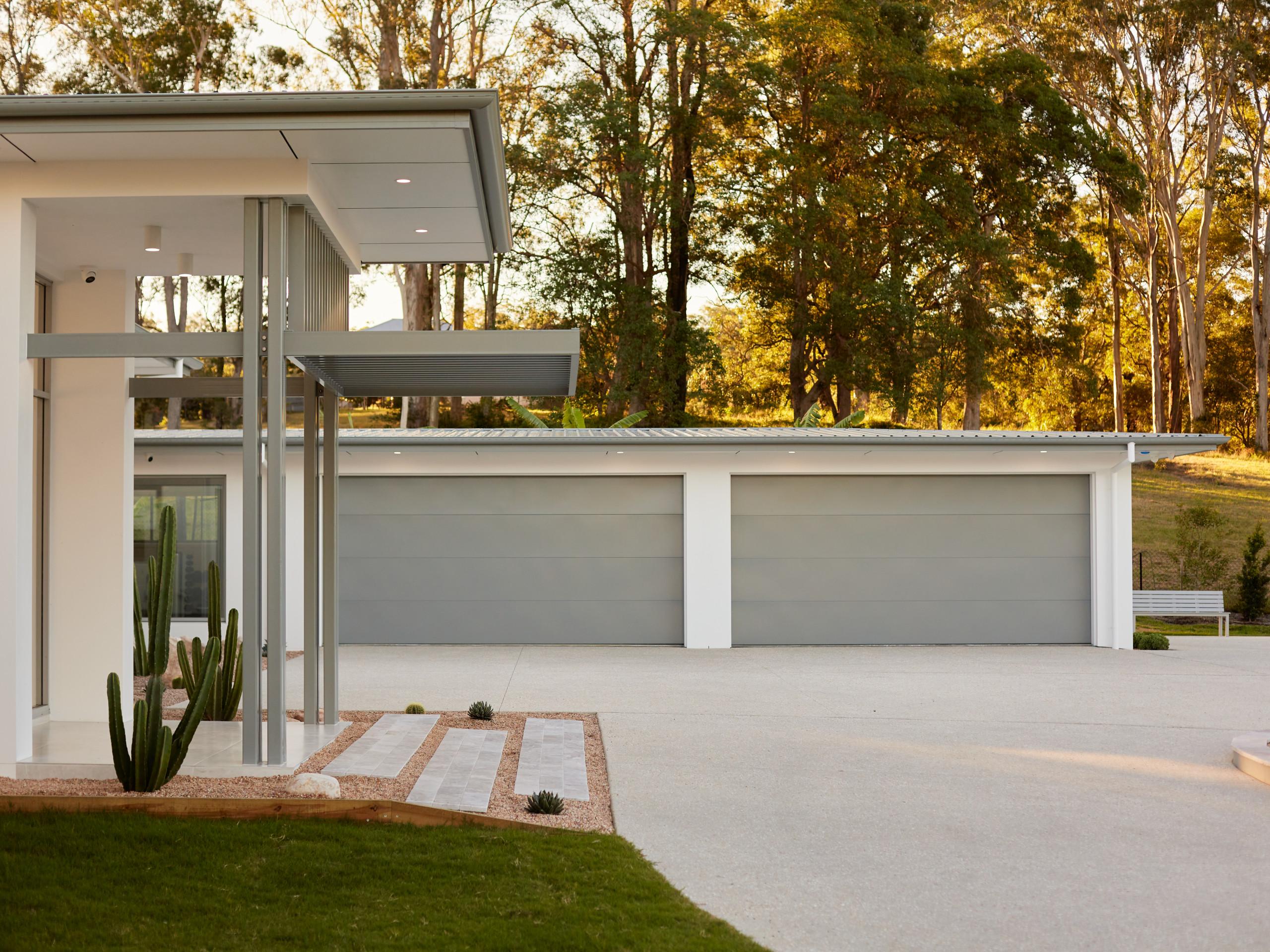 15 Impressive Mid Century Modern Garage Designs For Your New Home
