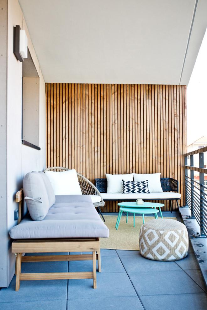 15 Stupendous Mid-Century Modern Balcony Designs