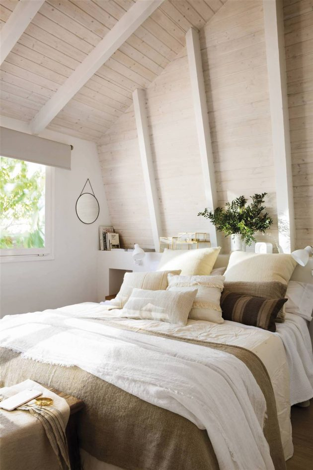 How to Combine Cushions in Bed?