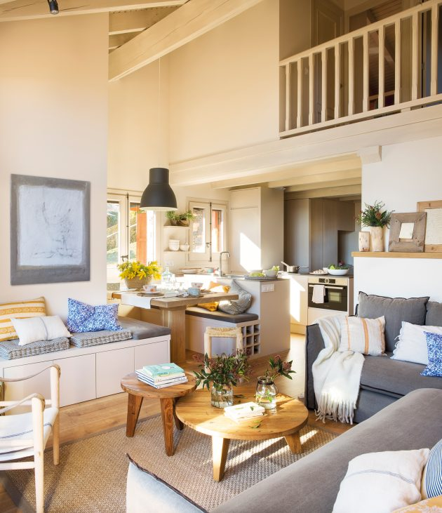 8 Small Houses to Enjoy the Summer