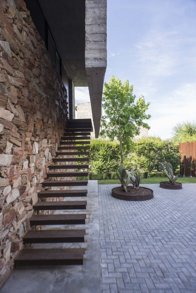 AD House by Estudio M3 in La Plata, Argentina