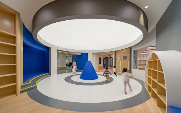 """Exploration of the """"Ideal World"""" for Children, Shenzhen, China"""