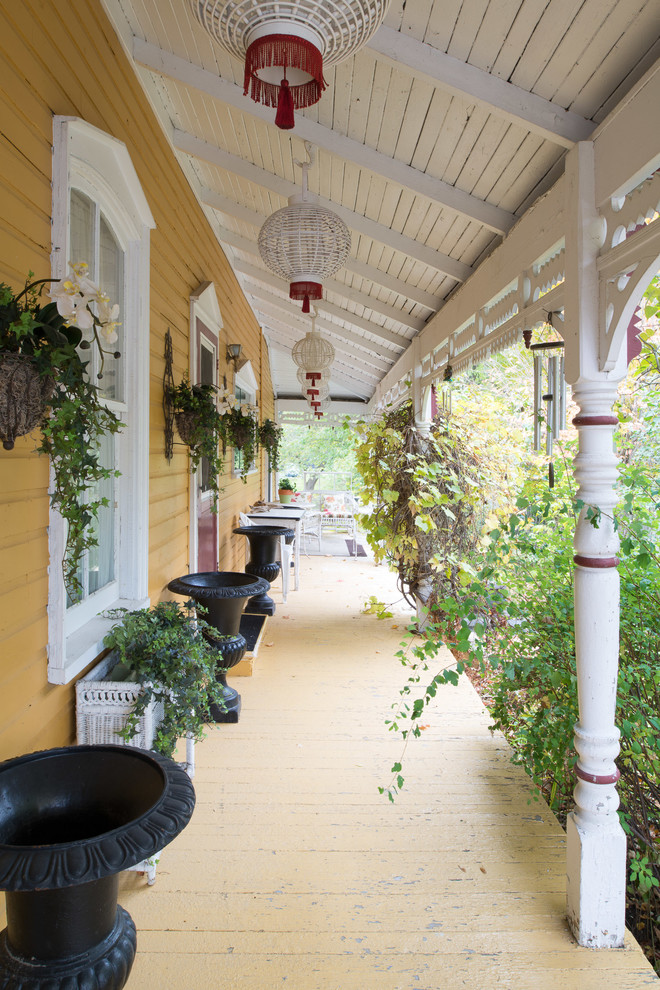 15 Magnificent Shabby-Chic Porch Designs You Will Enjoy Everyday