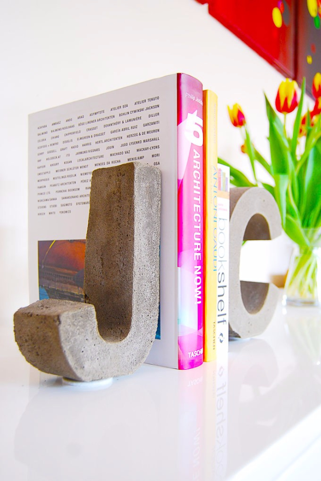 15 Solid DIY Concrete Decor Ideas You Will Have Fun Crafting